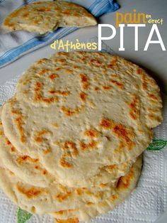 PAIN : Pita ou le pain grec à garnir - En direct d'Athènes Turkish Recipes, Ethnic Recipes, Chapati, Pan Bread, Bread And Pastries, Food Pictures, Food Photography, Meal Prep, Food Porn