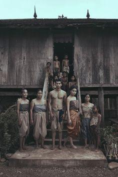 Travel Clothes Asia People Ideas For 2019 Old Photos, Vintage Photos, Thailand History, Traditional Thai Clothing, Thai Art, Indochine, Thai Style, Oriental Fashion, Koh Tao