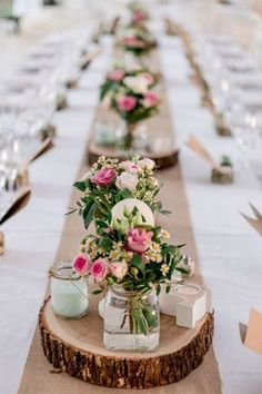 Cheap table decorations - 70 ideas that you can easily copy - dining room . - Cheap table decorations – 70 ideas that you can easily copy – Dining room – Dining table with - Cheap Table Decorations, Wedding Decorations, Centerpiece Ideas, Long Table Centerpieces, Centerpiece Wedding, Party Table Decorations, Wedding Placecard Ideas, Xmas Wedding Ideas, Wood Slab Centerpiece