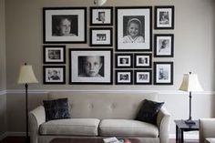 Above couch photo arrangement Photo Arrangements On Wall, Photowall Ideas, Inspiration Wand, Layout Inspiration, Photo Deco, Family Wall, Family Rooms, Home And Deco, Family Pictures