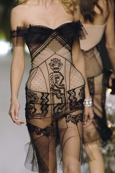 57 details photos of Christian Dior at Couture Fall 2005.