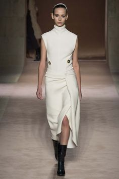 Victoria Beckham ready-to-wear autumn/winter '15/'16 - Vogue Australia