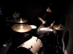 squarepusher / aphex twin / venetian snares - live drums. - http://youtu.be/x0lE4SaKBB8 - Emmmmhhh...woaw!