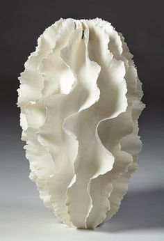 scandinaviancollectors:  An unique porcelain vase/sculpture by Sandra Davolio, Denmark. 2014. / Modernity