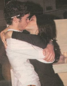 summer and seth forever. THE OC Movies And Series, Movies And Tv Shows, Tv Series, Summer And Seth, Summer 3, Summer The Oc, Pretty People, Beautiful People, Adam Brody