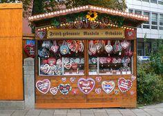 German Cookies, Dollhouse Miniatures, Advent Calendar, Bedroom Ideas, Holiday Decor, Image, Food, Home Decor, Ginger Beard