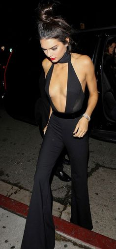 Kendall Jenner Wore a Sheer Jumpsuit at Her Birthday Party Kendall Jenner Style, Kendall Jenner Jumpsuit, Kendall Jenner Skinny, Cl Fashion, Look Fashion, Fashion Women, How To Wear Chokers, Choker Outfit, Sheer Clothing