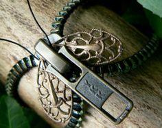 Doncella de Steampunk botón pulsera brazalete por PeteAndVeronicas