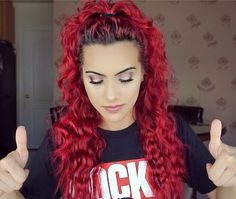 Bodmonzaid is hair goals 👌🏼 Dope Hairstyles, Curled Hairstyles, Pretty Hairstyles, Red Orange Hair, Bright Red Hair, Colorful Hair, Red Balayage Hair, Beautiful Red Hair, Hair Dye Colors