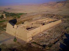 Egypte; 2005 In een luchtballon boven koningsdal (Luxor)