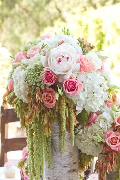 I think I just fell in love with a bouquet....seriously, deeply in love! #flowers #bouquets #breaathtaking