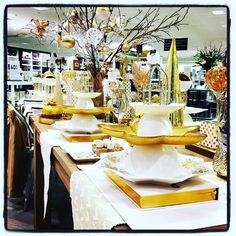 #home #interiordecoration #interiors #gold #festive #christmas #christmasdecorations #christmastable #tablesetting #noel #visualmerchandising #vm #vmlife #myer @myer #myerhome #storedisplay #retaildisplay #homedecor #decor #styling #homestyle