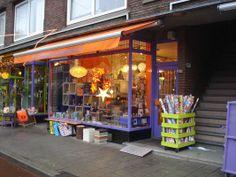 De vrolijke winkel Alles in Wonderland van Uday Mastenbroek, Bergselaan in Rotterdam