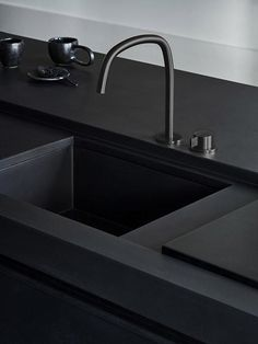 Matte black MASS kitchen finished with concrete - Kitchens - Kitchen Matte black MASS kitchen finished with concrete – Kitchens – Kitchen – Studio Piet Boon Black Kitchen Faucets, Kitchen Fixtures, Kitchen Black, Kitchen Sinks, Giroud, Concrete Kitchen, Studio Kitchen, Large Bathrooms, House Doctor