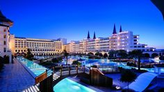 The Mardan Palace Hotel one of the most luxurious hotels in the Mediterranean region, was opened in the popular Turkish resort town of Antalya Mardan Palace, Beautiful World, Beautiful Places, Places To Travel, Places To Go, Restaurant Hotel, Hotels In Turkey, Most Luxurious Hotels, Luxury Hotels