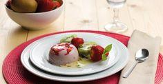 Espetadas de fruta com pudim de iogurte