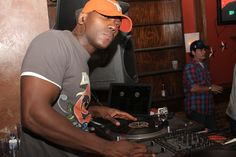 DJ Rob Swift  www.loyallisteners.net