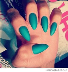 Simple but sweet mint nails | Inspiring Ladies