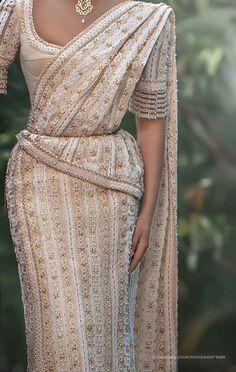 Bridal Sari, Pakistani Bridal Wear, Bridal Dresses, Dress Indian Style, Indian Dresses, Sri Lankan Wedding Saree, White Saree Wedding, Christian Wedding Sarees, Bridesmaid Saree