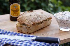 Guten Morgen! Wer gerade keine frische Hefe zu Hause hat, aber trotzdem gerne frisches Brot backen möchte, kann das auch mit einer Flasche Biert tun! Ich habs ausprobiert - funktioniert und geht viel schneller und einfacher als mit Hefe! http://kochliebe.blogspot.de/2014/06/schnelles-bierbrot-ohne-hefe.html