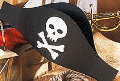 Make pirate hat for carnival - Crafts for Teens Pirate Day, Pirate Birthday, Pirate Theme, Girl Birthday, Pirate Hat Crafts, Kids Corner, Diy Costumes, Diy Crafts For Kids, Karneval Diy