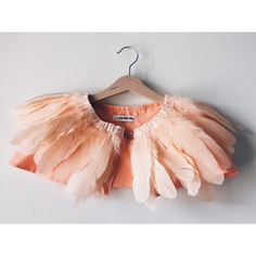 Feather Cape - Peach Wedding Headdress, Feather Headdress, Flamingo Dress, Flamingo Party, Pink Leotard, Feather Cape, Fancy Dress For Kids, Dress Up Outfits, Creation Couture