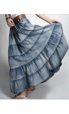 me urge madarme  hacer faldas de mezclilla iguales a esta!! :)