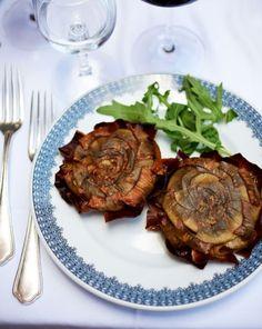 """Fried Artichokes (aka, """"carciofi alla giudía"""") from Ristorante Piperno in Rome!"""