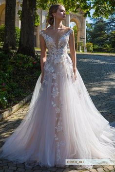 JILL wedding dress by GABBIANO Couture in Charmé Gaby Bridal Gown boutique Clearwater FL
