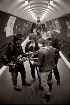 vintage everyday: Amazing Photographs of London Underground in the 1970s and…