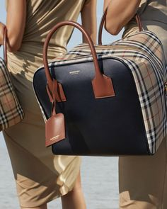 Burberry Medium Leather and Vintage Check Cube Bag Gucci Purses, Burberry Handbags, Buy Bags, Bowling Bags, Romper Pants, Tank Shirt, Medium Bags, Hermes Kelly, Bag Accessories