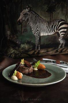 ° beef °  Sind Zebras eigentlich schwarze Pferde mit weißen Streifen oder weiße Pferde mit schwarzen Streifen?🦓  #unnützeswissen #zebravibes #foodlovers #151er #bistrobar151 #klagenfurt #deliciousfood Klagenfurt, Zebras, Panna Cotta, Ethnic Recipes, Food, Black Horses, White Horses, Useless Knowledge, Stripes