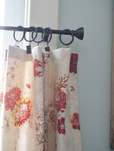 rideaux à coudre soi-même en tissu beige à motifs floraux et à accrocher à une barre en métal à l'aide d'anneaux à pinces