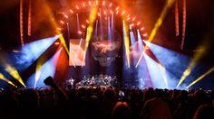 John Mayer, Dead & Company Rekindle Grateful Dead Flame at Tight MSG Show  Read more: http://www.rollingstone.com/music/news/john-mayer-dead-company-rekindle-grateful-dead-flame-at-tight-msg-show-20151101#ixzz3qIyQLPT7  Follow us: @rollingstone on Twitter | RollingStone on Facebook