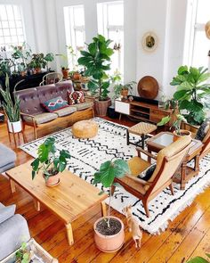 Discover Scandinavian bohemian interior design and create Scandinavian Bohemian living room. Explore ideas inspirations for your living room decor Bohemian Interior, Bohemian Decor, Bohemian Chic Decor, Bohemian Design, Bohemian Living, Boho Chic Living Room, Moroccan Decor, Scandinavian Home, Home And Deco