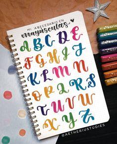 Bullet Journal Font, Bullet Journal School, Bullet Journal Ideas Pages, Bullet Journal Inspiration, Lettering Brush, Doodle Lettering, Graffiti Lettering, Doodle Fonts, Hand Lettering Alphabet