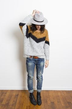 simple unisex look to copy right now : leather boot, torn jeans, graphic sweater and fedora Casual Outfits, Cute Outfits, Fashion Outfits, Fall Winter Outfits, Autumn Winter Fashion, Looks Style, Style Me, Moda Fashion, Womens Fashion