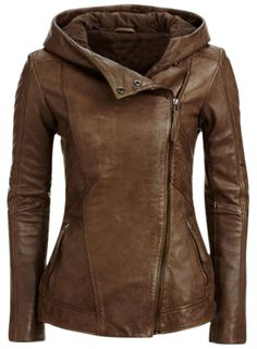 The PU leather jacket is featuring with hood, long sleeve, side pockets, oblique zipper closure and solid color.