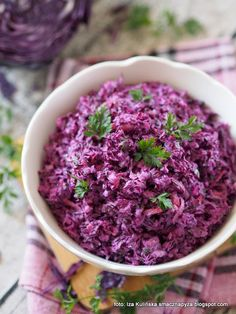 Tasty Dumpling: Salad from red cabbage a& coleslaw - Tasty Pyza checked recipes: Salad of red cabbage a& coleslaw - Red Cabbage Coleslaw, Feta Salat, B Food, Salad Dishes, Raw Vegetables, Cooking Recipes, Healthy Recipes, Xmas Food, Polish Recipes