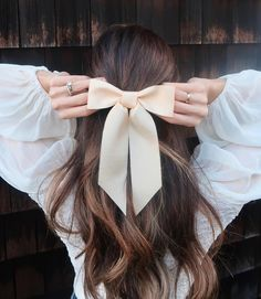 Vintage Hairstyles, Cute Hairstyles, Wedding Hairstyles, Hair Ribbons, Ribbon Hair, Bardot Hair, White Hair Bows, Velvet Hair, Diy Hair Accessories