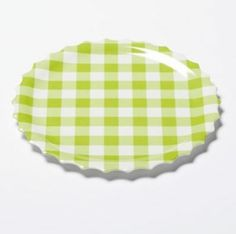 Solid green plaid dinner plates are picnic-ready!