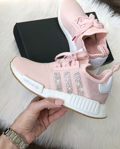 new concept 44a01 8fd4d Light Pink Adidas, Light Pink Sneakers, Girls Sneakers, Adidas Nmds, Adidas  Shoes Nmd, Runners Shoes, Pink Yellow, Pink White, Nike Fashion