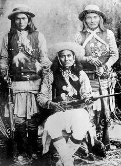 L-R.White Mountain Apache scouts Das Luca, Skro-Kit , Shus-El-Day