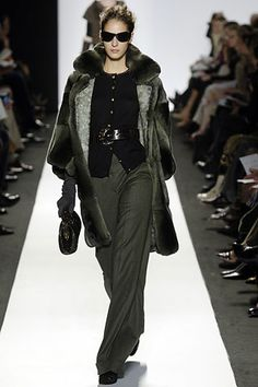 Oscar de la Renta Fall 2006 Ready-to-Wear Fashion Show - Emina Cunmulaj