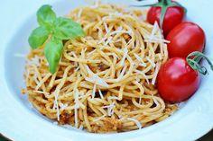 Två små kök: Tomatpesto till pasta - en smakbomb på nolltid