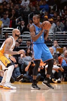 Oklahoma City Thunder vs. Los Angeles Lakers - Photos - March 01, 2015 - ESPN