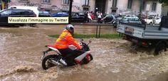 A Milano le cose migliorano, ma il Comune consiglia di non usare l'auto http://ilpo.st/1maY0RP pic.twitter.com/T01hbzaLGA