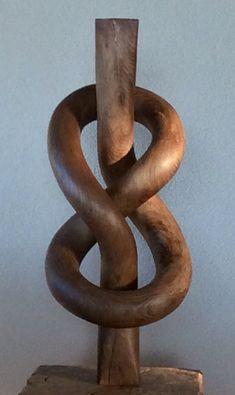 8 botones o botón flamenco, hecho de roble. Wood Carving Designs, Wood Carving Art, Wood Art, Abstract Sculpture, Wood Sculpture, Wood Shop Projects, Whittling Wood, Ceramic Spoons, Got Wood