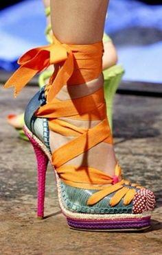 Prêt-à-porter Christian Dior P/E Rainbow pumps Dream Shoes, Crazy Shoes, Stilettos, Cute Shoes, Me Too Shoes, Awesome Shoes, Christian Dior, Casual Chique, Colorful Heels