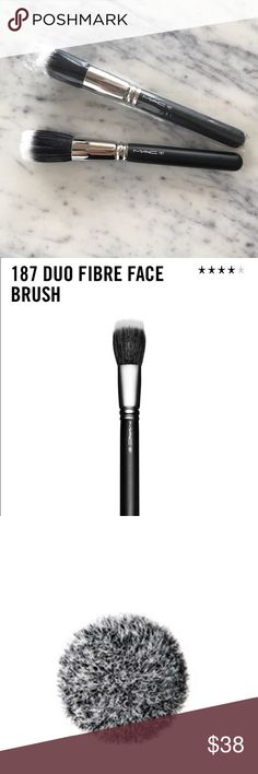 MAC Cosmetics Duo Fibre Face Brush 187 New A large, full circular brush used for the lightweight application and blending of face powders or pigments that works especially well with Mineralize products. Use to create soft layers or add textures. Made from a soft blend of goat and synthetic fibres. M·A·C professional brushes are hand-sculpted and assembled using the finest quality materials. They feature wood handles and nickel-plated brass ferrules. MAC Cosmetics Makeup Brushes & Tools